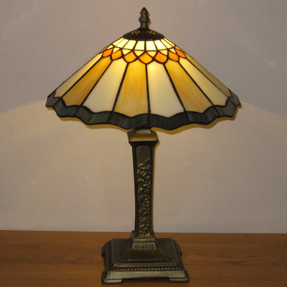 Nostalgisk Tiffany bordlampe TT12209
