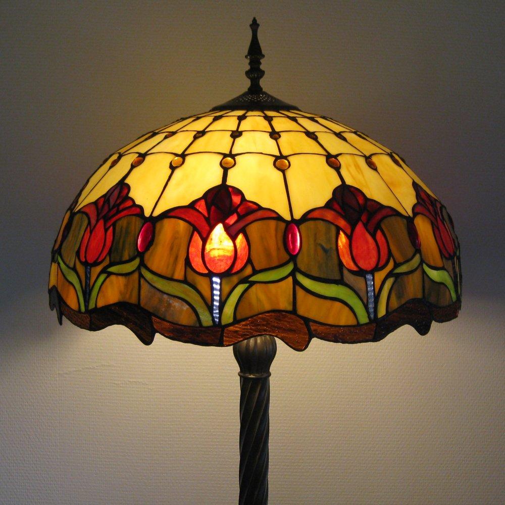 Smuk Tiffany gulvlampe