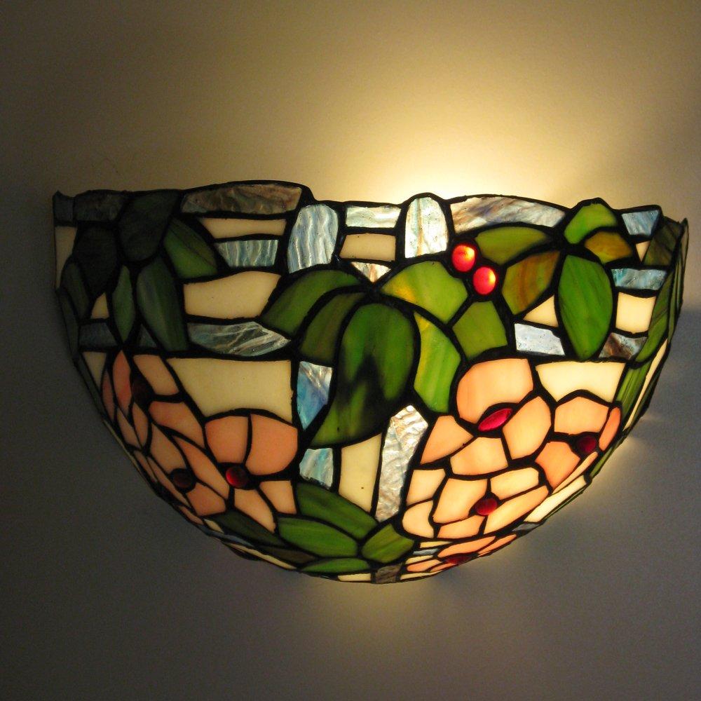 Yndig Tiffany væglampe
